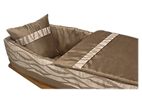Capiton ASTÉLIA marron aspect soie, cache bord polycoton doublé et matelassé, oreiller inclus
